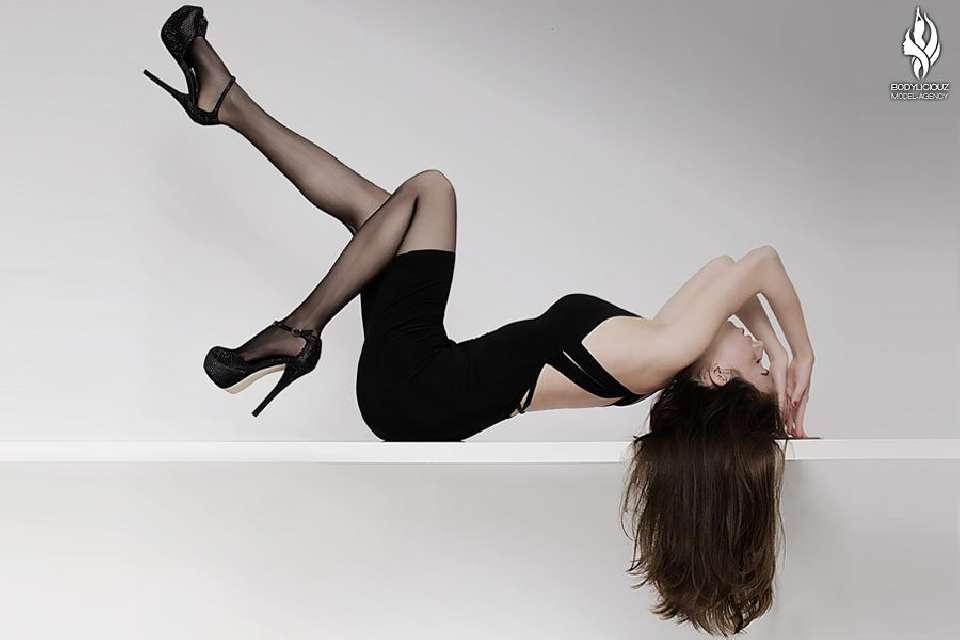 Model Simi Glamour Fashion Studio Shooting