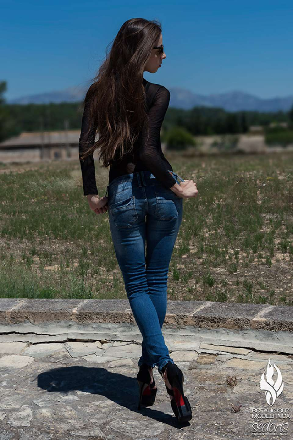 Model Simi LostinParadise Jeans Editorial Shooting Mallorca