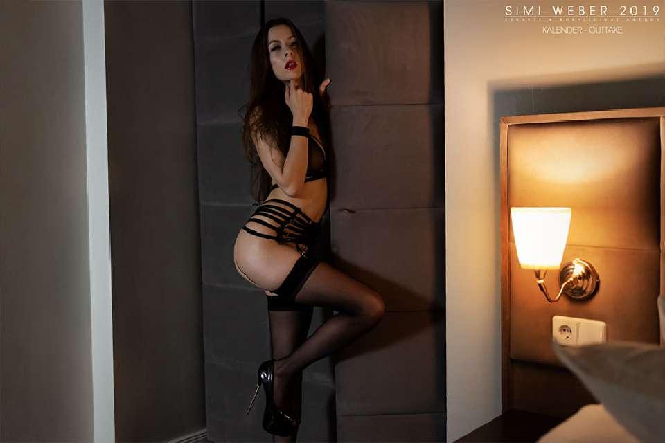 Model Simi Model-Simi Lingerie Kalender Produktion 2019 with Sedarts