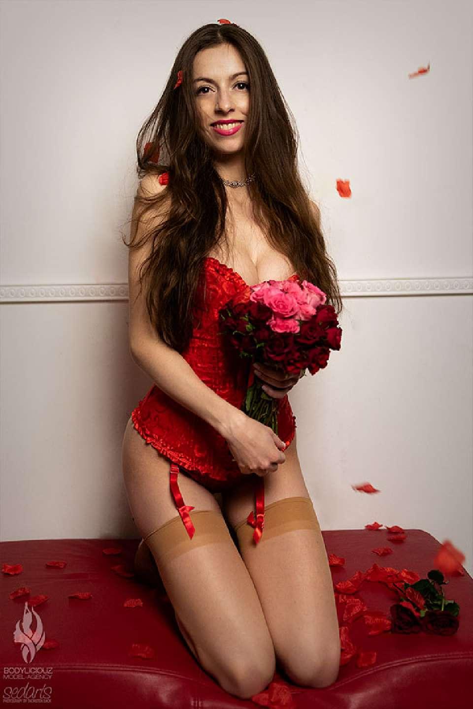 Model Simi Valentine 2019 Editorial mit Bodyliciouz